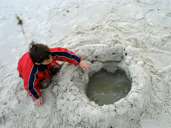 beach-digging-hole